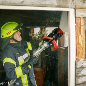 Gartenhütte gerät in Brand