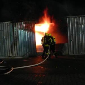 Garagenbrand kurz nach Mitternacht