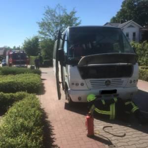 Bus brennt nach Motorschaden