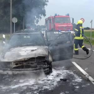 Auto brennt komplett aus