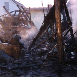 Schuppen einer Moschee brennt