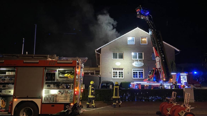 Nächtlicher Wohnungsbrand